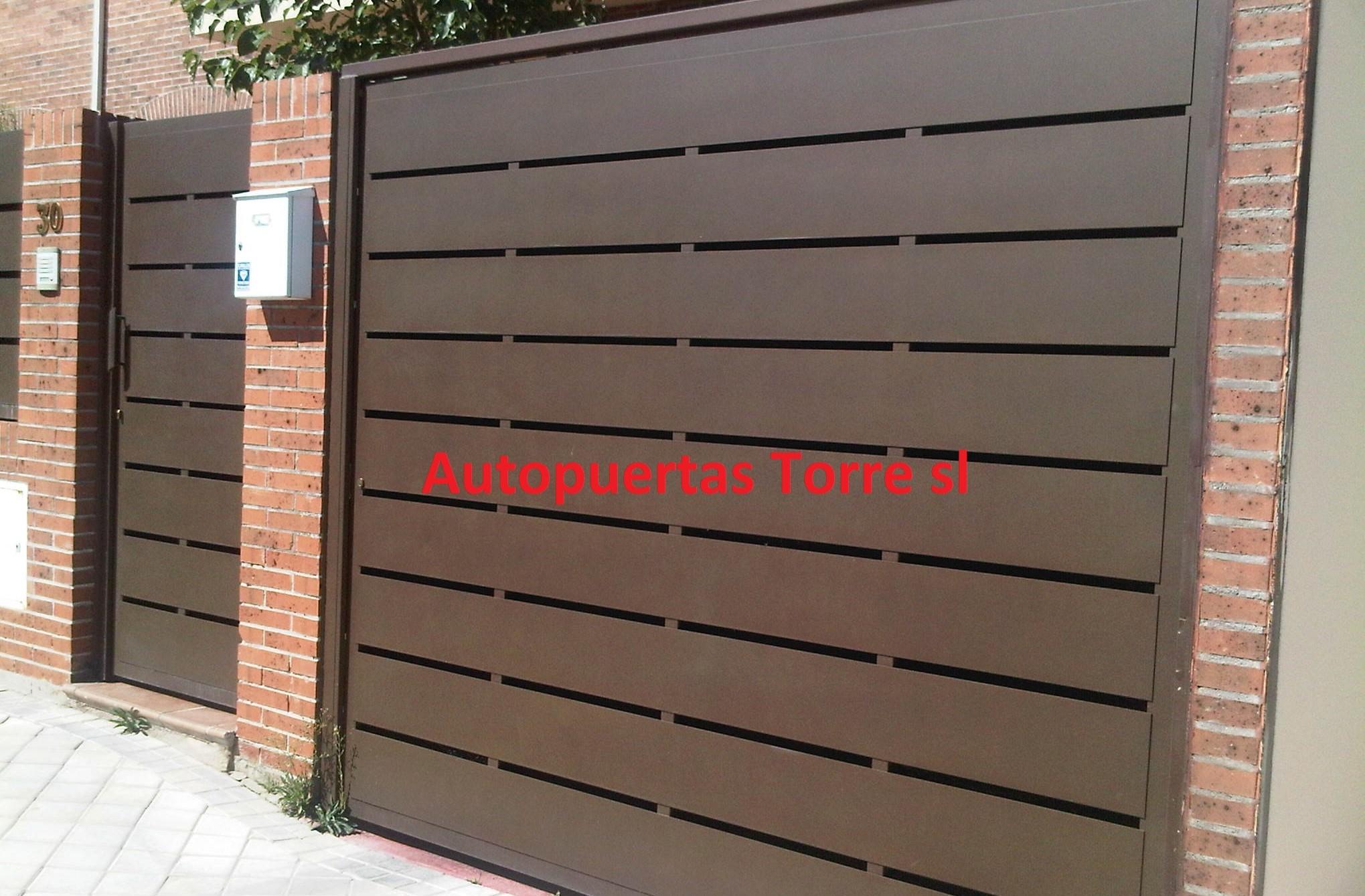Puertas de hierro galvanizado amazing puertas de hierro - Puerta chapa galvanizada ...