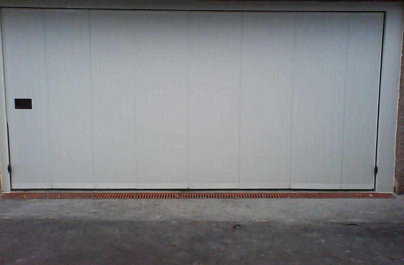 Puerta para garaje corredera curva manual for Puertas correderas curvas