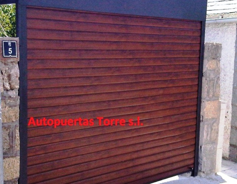 Puertas de aluminio imitacion madera exterior affordable - Imitacion madera para exterior ...