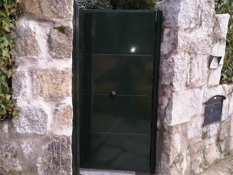 Puertas correderas para jardin free kit de instalacin for Puertas jardin aluminio