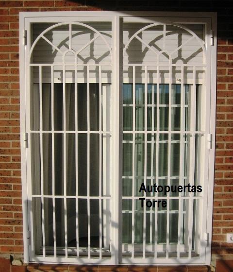 Puerta reja tipo ingles for Puerta en ingles
