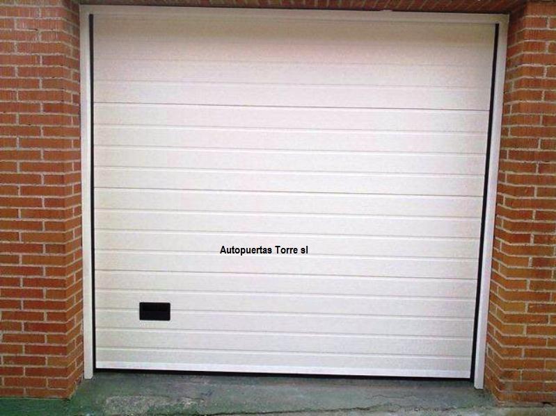 Puertas garaje precios baratas fabulous best puerta garaje enrollable puertas de garaje - Puertas de garaje seccionales baratas ...