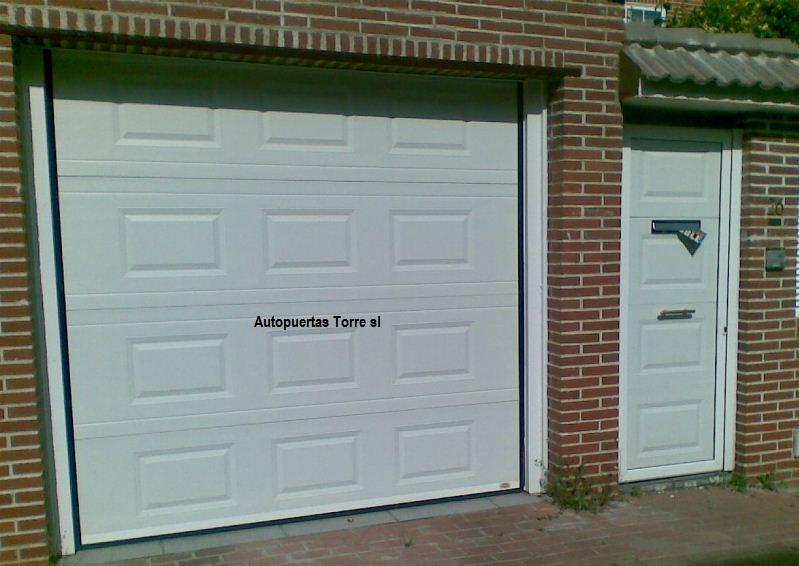 Puertas de garaje tomares - Puertas abatibles garaje ...